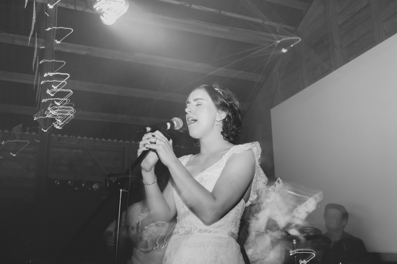 Singing-Bride